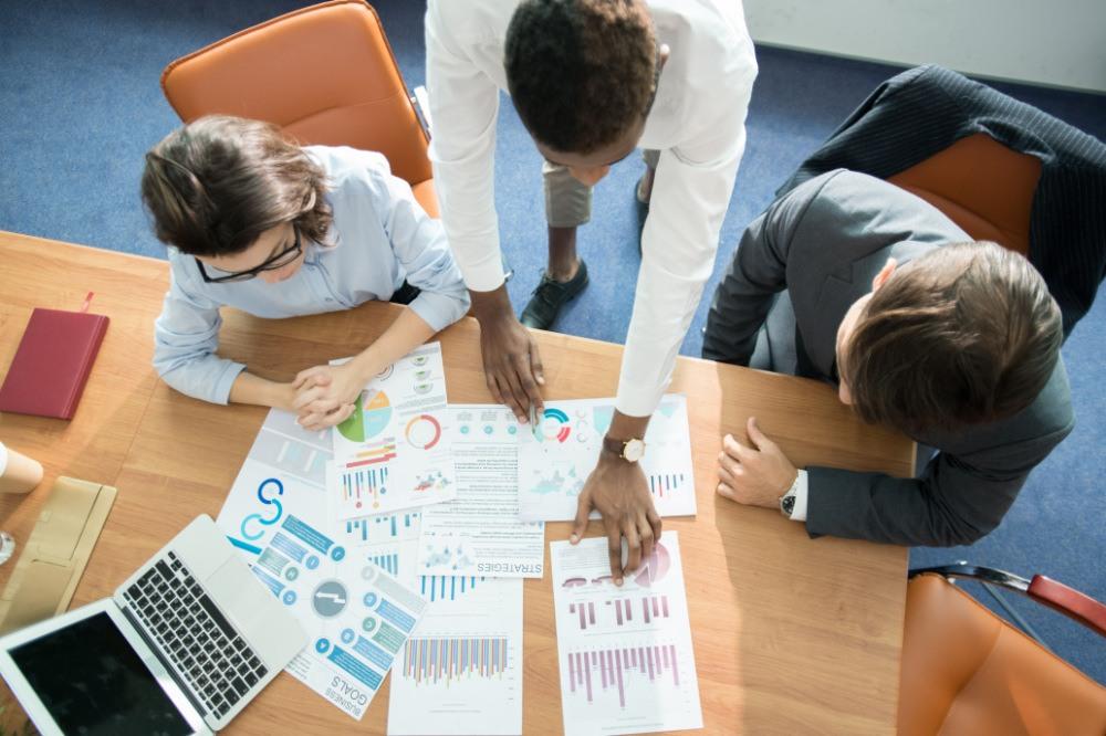 Marketing Team, Statistiken Auswertung (exklusives Foto)