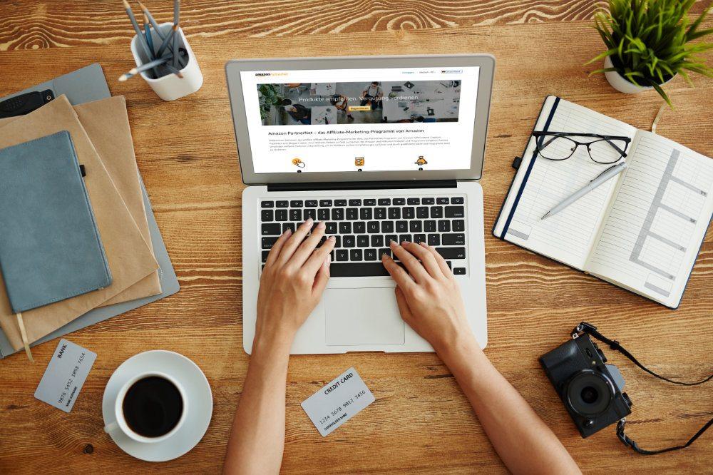 Notebook mit Amazon-Partnerprogramm Startseite